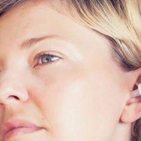 ¿Son recomendables las gotas para limpiar el oído?