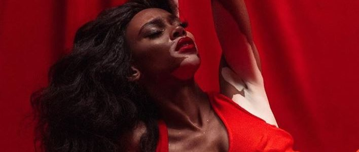 winnie-harlow-la-modelo-con-vitiligo-que-se-incorpora-victorias-secret