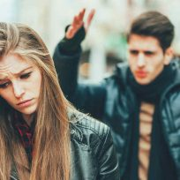 pareja-joven-discutiendo-Getty Images