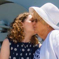 emocionante-video-de-una-joven-con-su-abuela-enferma-de-alzheimer