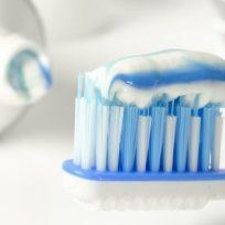 por-que-colgate-retirara-el-triclosan-de-su-pasta-de-dientes