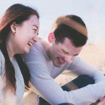 reirse-de-su-pareja-puede-ayudar-mejorar-la-relacion