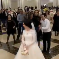 en-video-se-pusieron-peliar-por-el-yugo-de-la-novia