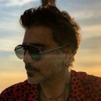 sus-48-anos-alejandro-fernandez-luce-mas-bello-que-nunca