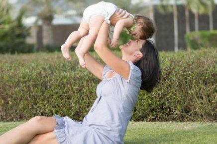 mes-de-las-madres-amiga-madre-y-maestra
