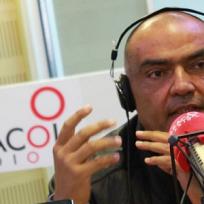 Enrique Carriazo entre Colmenares y Lucho