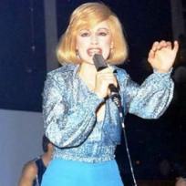 Raffaella Carrá - Caliente, Caliente