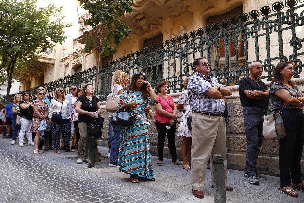 ¡Un último adiós! Seguidores de Camilo Sesto despiden a su ídolo - Imagen 3