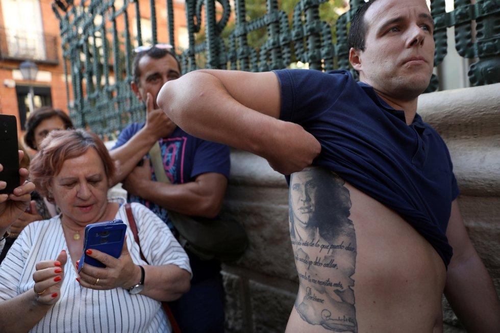 ¡Un último adiós! Seguidores de Camilo Sesto despiden a su ídolo - Imagen 4