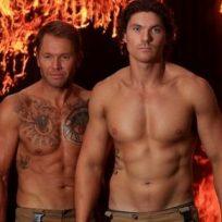 por-una-buena-causa-bomberos-australianos-lanzan-un-sensual-calendario-para-ayudar-ninos