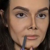 el-maquillaje-lo-puede-todo-esta-chica-se-maquillo-y-quedo-identica-michael-jackson