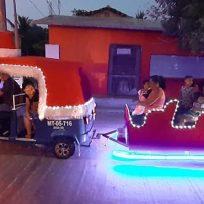 este-es-hombre-convirtio-su-mototaxi-en-un-trineo-y-ahora-es-conocido-como-el-santa-claus-de-mexicano