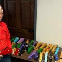 memorable-jim-annis-lleva-50-anos-fabricando-juguetes-para-ninos-mas-pobres