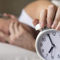 """""""Dormir con alguien que ronca puede disminuir los años de vida"""": Universidad del Sueño"""