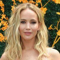 Jennifer Lawrence envió un mensaje a sus seguidores y la confundieron con un robot
