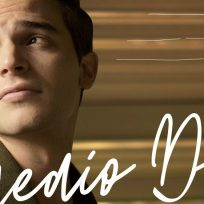 Alejandro Santamaría lanza la nueva versión en piano de 'Medio día'