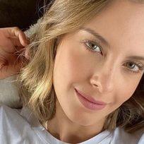 Sin maquillaje, así apareció Laura Acuña en redes sociales