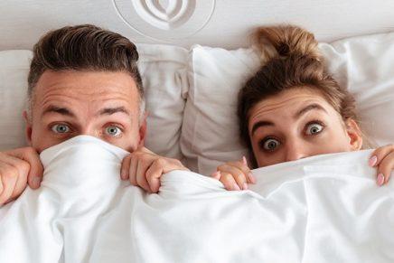 Tickling: la técnica que lleva a las parejas al orgasmo a través de cosquillas eróticas