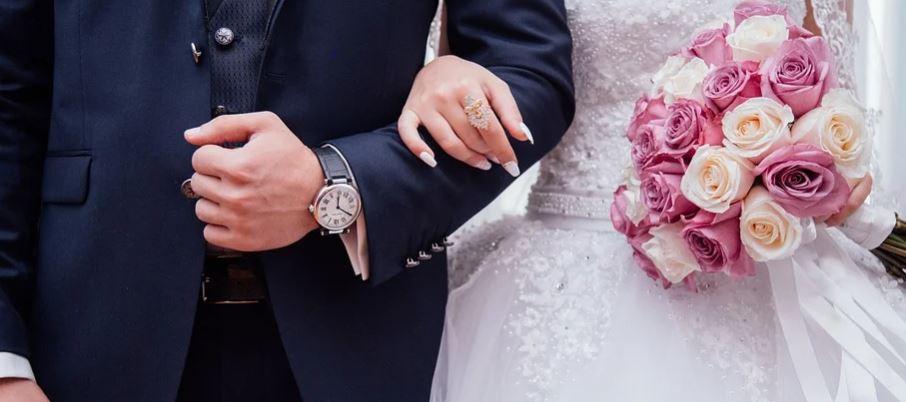 Hombre sorprende a su amada en plena boda al llevar a sus estudiantes con síndrome de down