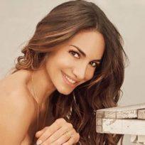 Con una compañía muy peluda y en bikini, Valerie Domínguez mostró su lado más sensual