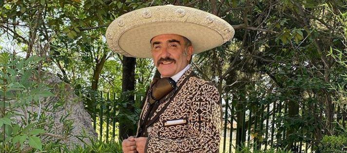 Hijo de Vicente Fernández deberá presentarse ante la justicia por una demanda de su expareja