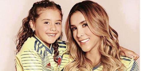 Daniela Ospina despierta a su madre con linda sorpresa de cumpleaños
