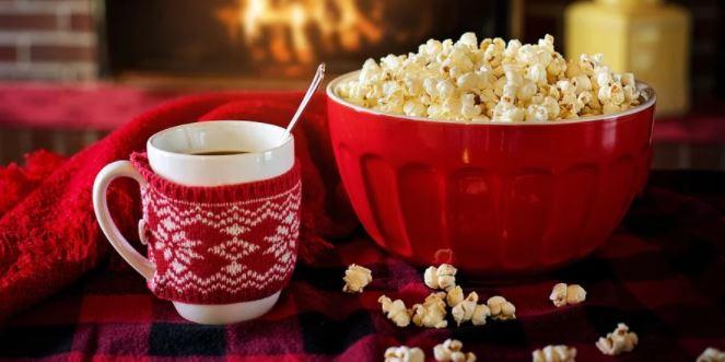 Una empresa norteamericana ofrece 2.500 dólares por ver 25 películas navideñas en menos de un mes