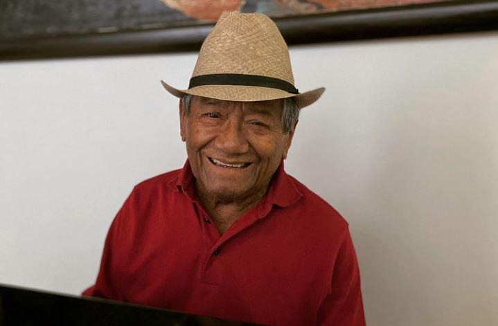 Reviven video del paso de Armando Manzanero por 'Yo soy Betty, la fea'
