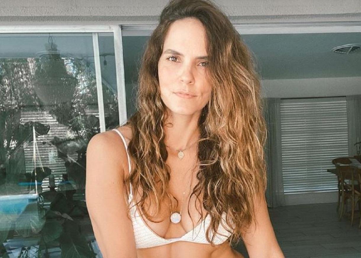 Catalina Aristizábal encendió las redes al posar en mini tanga