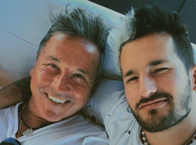Ricardo Montaner se enojó al ser grabado en ropa interior por su hijo Ricky