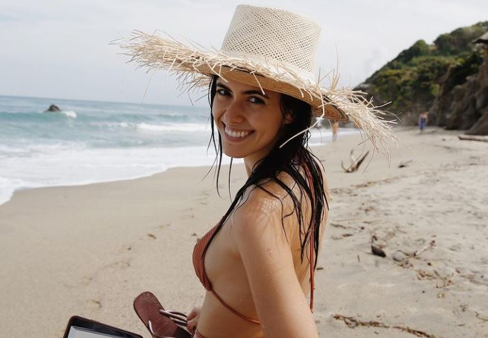 La sensual foto de Paulina Vega mostrando su cola en la playa