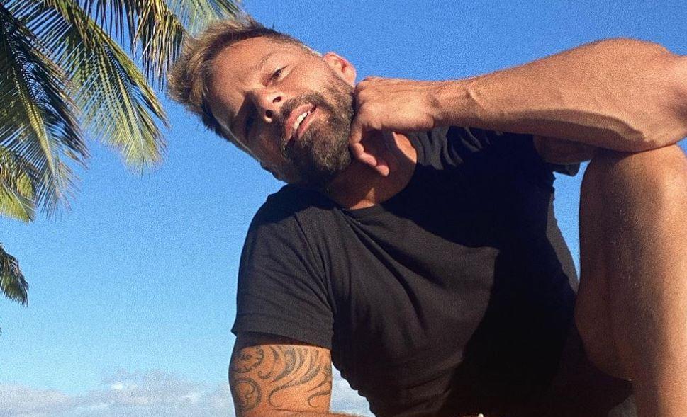 """""""Eres un abuelo muy sexy"""", le dicen a Ricky Martin por su nuevo look"""
