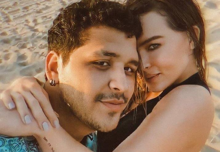 Entre besos y caricias, Belinda y Christian Nodal se juran amor eterno
