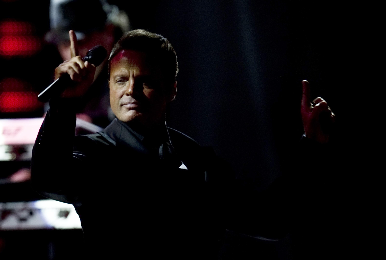 """""""Yo sé que volverás"""", la canción que evita cantar Luis Miguel en público para no llorar"""