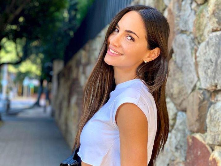 Valerie Domínguez se bajó la tanga en sensual foto y por poco muestra de más