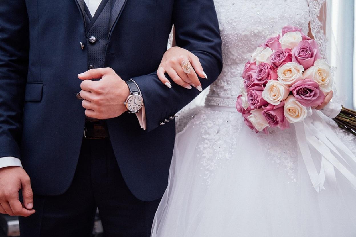 Hombre con alzhéimer olvidó que estaba casado y volvió a pedir matrimonio a su esposa