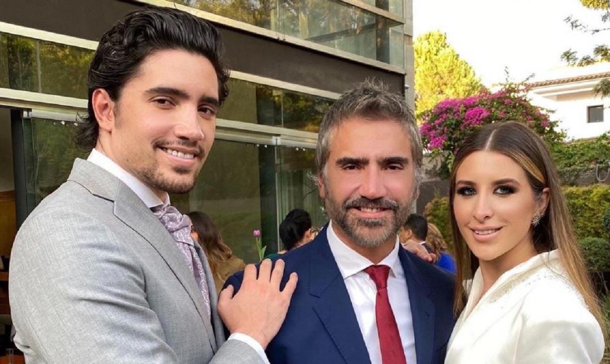 Alex, hijo de Alejandro Fernández, se casó en boda espiritual al frente del mar