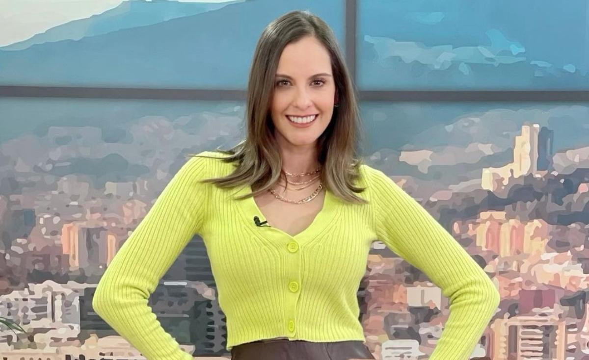 Laura Acuña mostró su cuerpazo en diminuto bikini