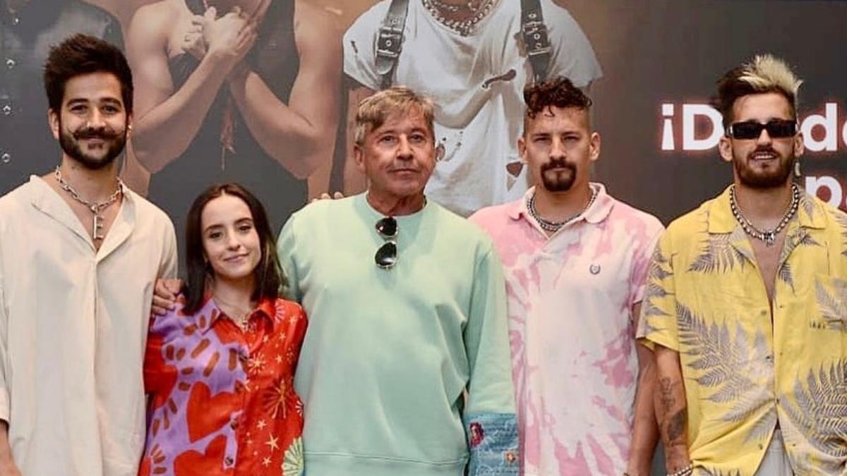 Ricardo Montaner y su familia en concierto