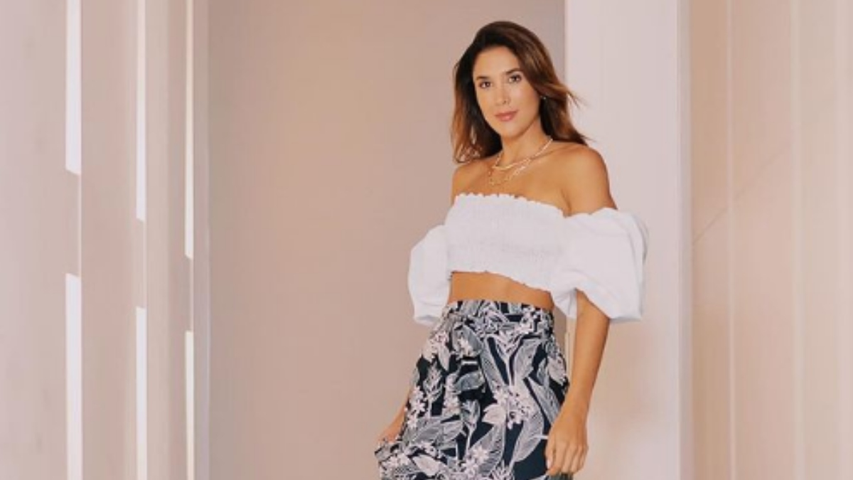 """Toda una princesa"", le dicen a Daniela Ospina por foto en lencería rosa"