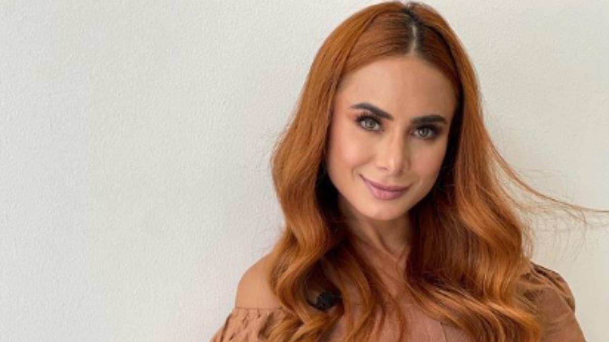 Johana Fadul presume su cuerpazo con una foto con pequeño bikini